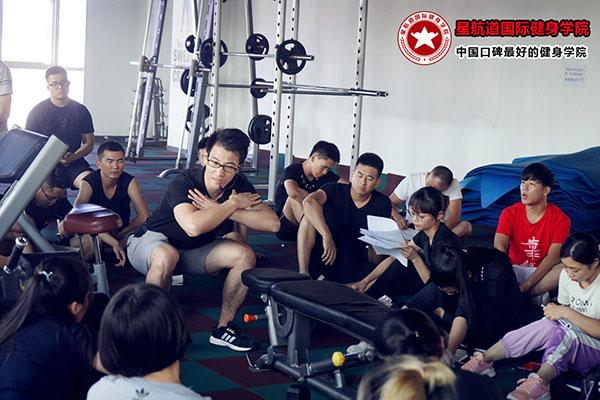 为什么那么多退伍士兵选择做健身教练