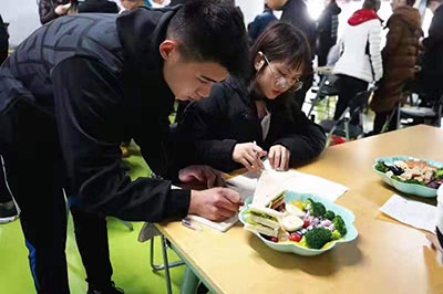 学员营养课中