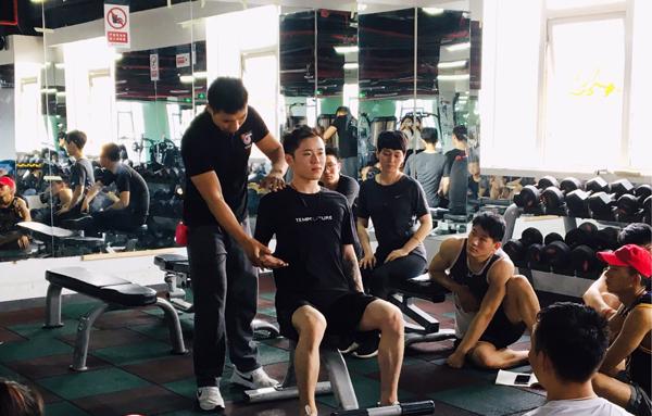 健身教练多少钱一个月