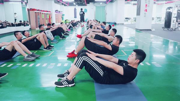 健身教练培训学校哪个好