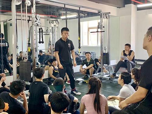健身教练的月薪是怎么算的