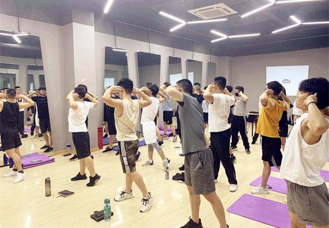 哪里有健身教练学校可以培训考证